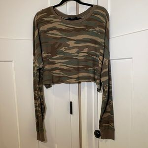 Forever 21 Oversized Cropped Camouflage Thermal L